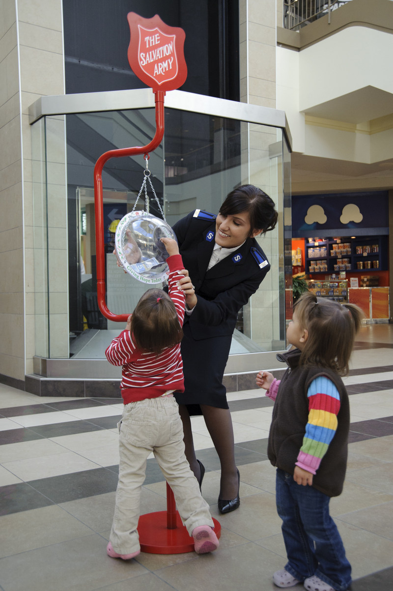 Every donation to a Salvation Army Christmas Kettle remains in the community in which it was given, in order to help local people in need. (CNW Group/The Salvation Army)