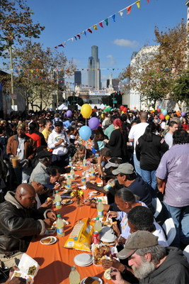 Los Angeles' Poor & Homeless Citizens Celebrate Thanksgiving With 1 Ton Of Giant Turkey Drumsticks, Thanks To Fred Jordan Missions
