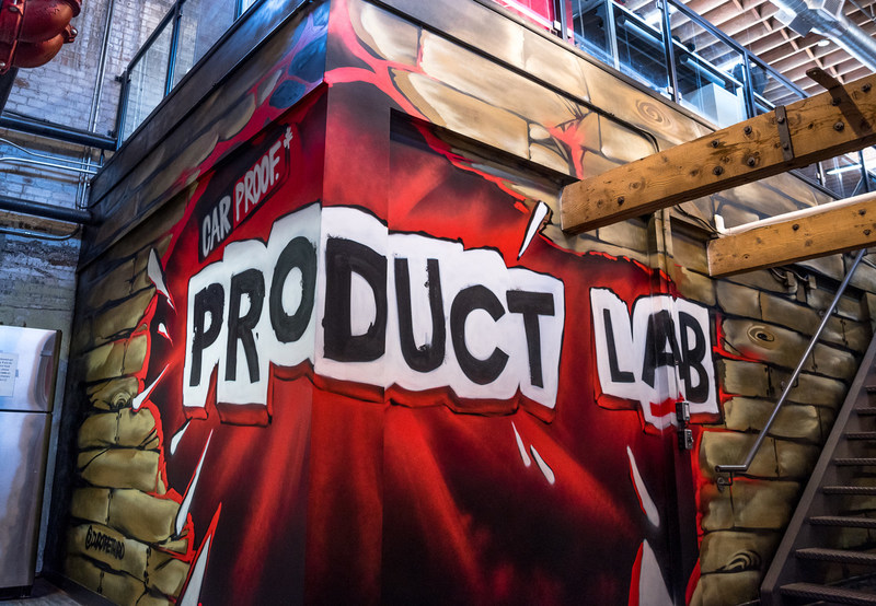 CARPROOF is celebrating the official launch of its new Product Lab in Kitchener's Communitech Hub. (CNW Group/CARPROOF)