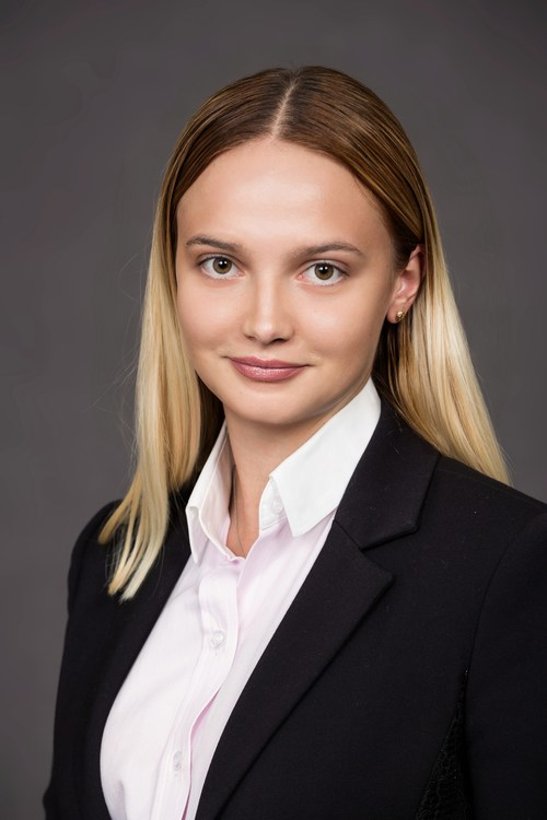 Andreea Crisan (CNW Group/Andy Transport Inc.)