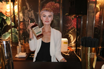 Calgary Bartender, Makina Labrecque from Proof, is one of 21 bartenders who delivered a 21 holiday cocktail salute to the arrival of Jack Daniel's Tennessee Rye. (CNW Group/Jack Daniel's Canada)