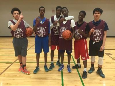 Dixon Hall Basketball Summer League. (CNW Group/Dixon Hall)