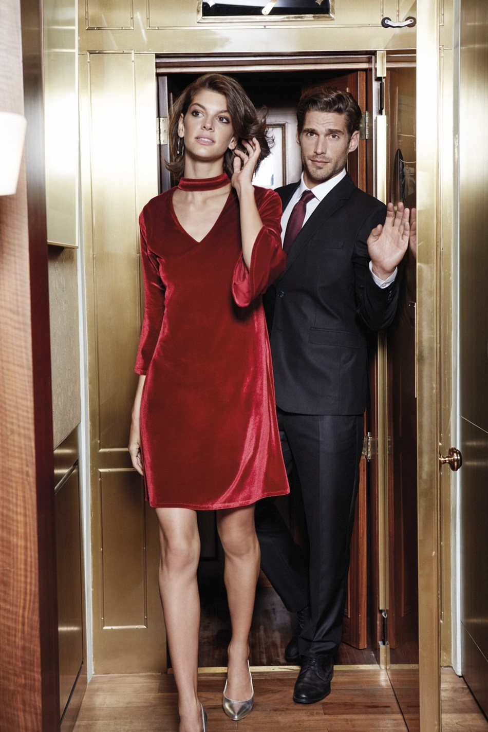 According to LC Waikiki, the luxury presented by the classic pieces mirroring the glam of men will perfectly match with women's collection featuring the softness of velvet. (PRNewsfoto/LC Waikiki)