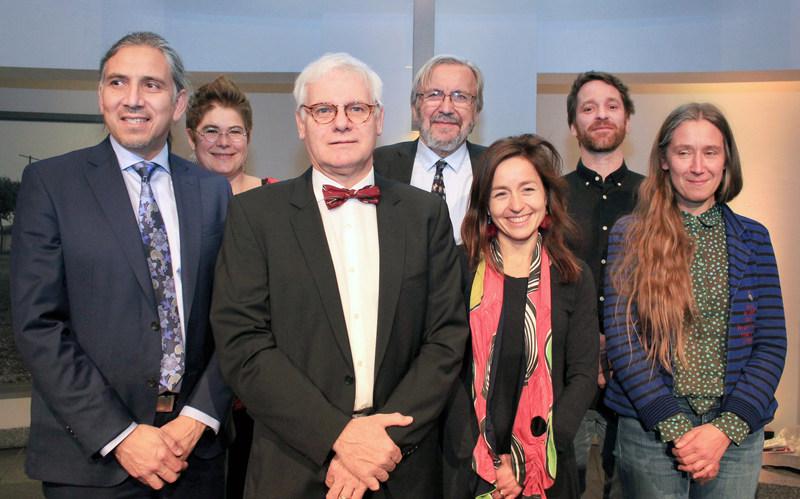 De gauche à droite: Dr Stanley Vollant, Astrid Brousselle, Dr Richard Massé, Yanick Villedieu, Laure Waridel, Philippe Rochette et Patsy Van Roost. (Groupe CNW/Association pour la santé publique du Québec (ASPQ))