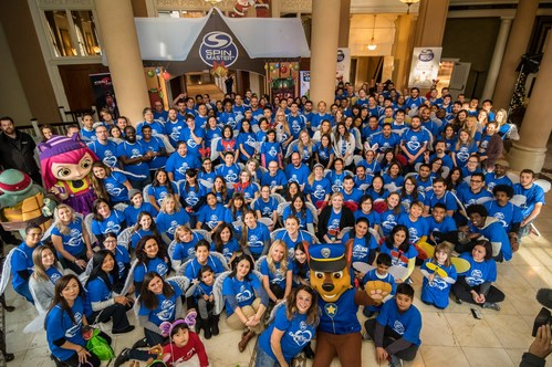 Spin Master employees celebrate the 7th Annual Caring and Sharing event in support of the Children's Breakfast Clubs (CNW Group/Spin Master)