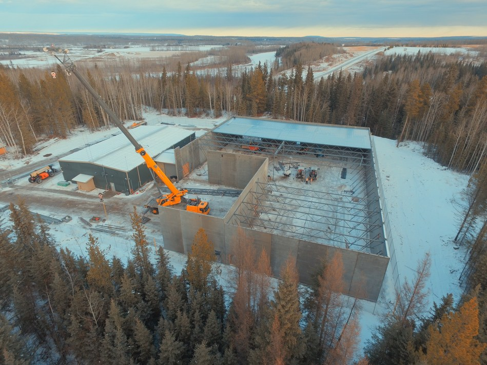 Acreage Pharms is on schedule to complete its 32,000 square foot (phase 2) expansion by January 2018. Once completed total production capacity of Acreage Pharms is expected to reach 5,000 kg annually. (CNW Group/Invictus MD Strategies)