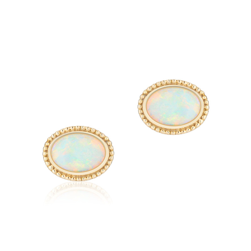 Les Plaisirs de Birks 18K yellow gold and opal earrings, worn by the newly announced HRH Princess Henry of Wales to be, are available in stores across Canada and online at www.maisonbirks.com. (CNW Group/Birks Group Inc.)
