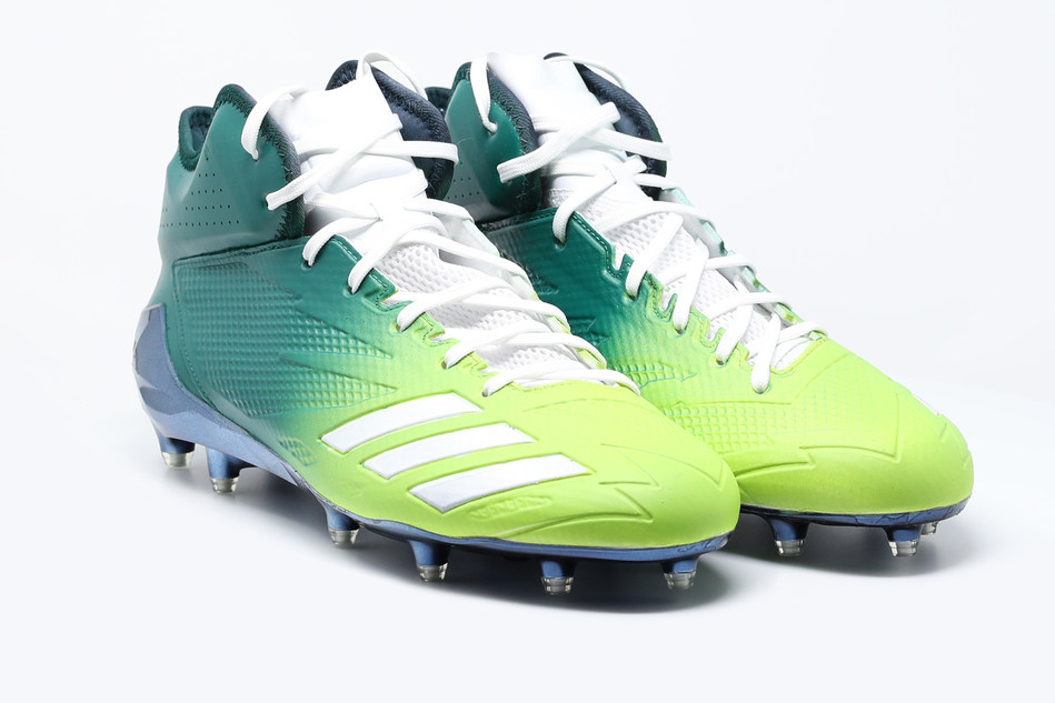 Chicago Bears running back Jordan Howard will wear luminous blue and green pulmonary fibrosis branded cleats in the Dec. 3 game against the San Francisco 49ers. Howard lost his father, Dr. Reginald B. Howard to pulmonary fibrosis at age 52. Howard has chosen the Pulmonary Fibrosis Foundation as his cause in the NFL's My Cause, My Cleats campaign and will auction his cleats after Sunday's game.  One-hundred percent of the proceeds will benefit the Pulmonary Fibrosis Foundation.