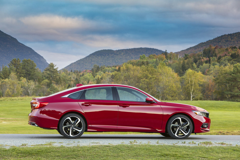 Honda Accord and Civic Named to Car and Driver Magazine 10Best