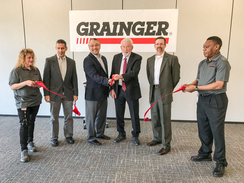 Grainger hosts a grand opening celebration at its new distribution center in Bordentown Township, N.J. Pictured left to right: Connie Scalice, Grainger Distribution Supervisor; Rich Travaglini, Grainger Senior Director of Regional Distribution; Barry Greenhouse, Grainger Vice President of Global Supply Chain; Stephen Benowitz, Mayor of Bordentown Township; Rob Reynolds, Grainger Vice President of Distribution Operations; Ben Afful, Grainger Distribution Center Associate.