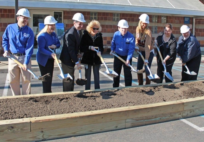 Groundbreaking Ceremony for Bianca's Furry Friends Feline Adoption Center (l-r) Dr. Mark Verdino, Chief of Veterinary Staff, Jill Burkhardt, Sr. Vice President Development, Wayne H. Wink, Jr., Town of North Hempstead Town Clerk, Sandra Atlas Bass, Philanthropist, John Stevenson, President, North Shore Animal League America, Beth Stern, North Shore Animal League America Volunteer, National Spokesperson and Foster Parent, Joanne Yohannan, Senior Vice President, North Shore Animal League America, and Robert Kelterborn, Project Manager of Bianca's Furry Friends Feline Adoption Center.