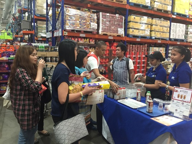 Lee's Coffee sampling at S&R Philippines