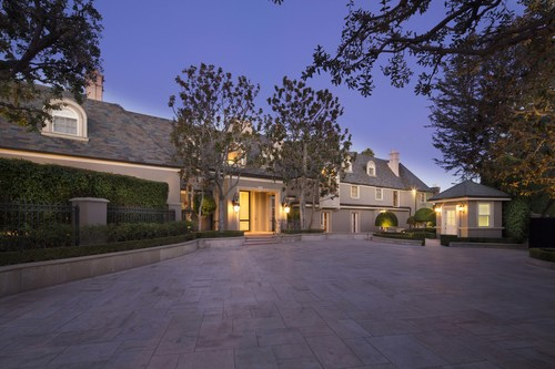 Estate in the Flats of Beverly Hills at a record-setting price enters market. (Photo by Nick Springett) (PRNewsfoto/Coldwell Banker Residential)