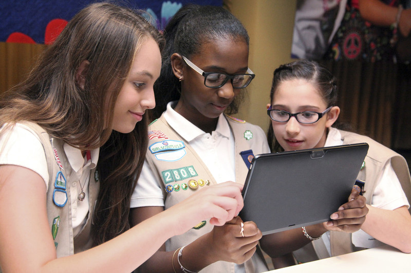 Girl Scouts of the USA (GSUSA) announces a multi-year partnership with Raytheon to launch its first national computer science program and Cyber Challenge for middle and high school girls. To learn more about how Girl Scouts prepares girls for a lifetime of leadership, and to volunteer, reconnect, donate or join, visit www.girlscouts.org.