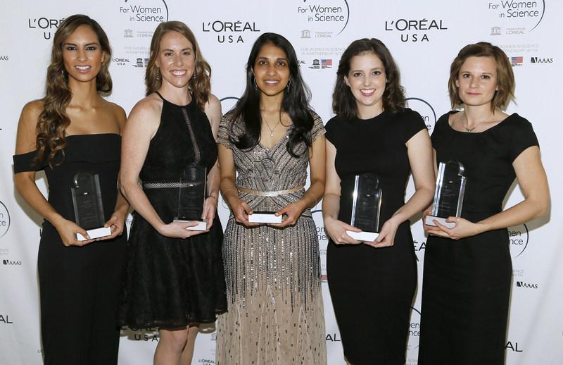 The 2017 L'Oréal USA For Women in Science Fellows. Courtesy of L'Oréal USA. (PRNewsfoto/L'Oreal USA)