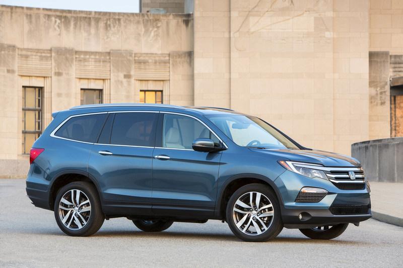 Honda Pilot Gas Mileage >> Family Friendly High Tech 2018 Honda Pilot Goes On Sale