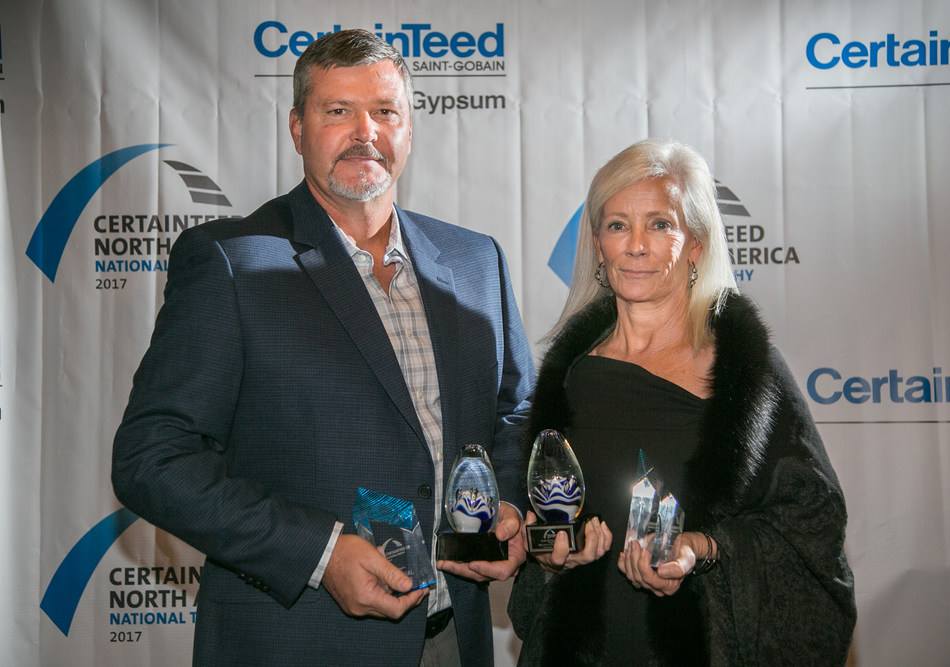 CertainTeed Gypsum US Trophy Awards Winners: (L-R) Mike McCann, Michael's Homes; Lynn Sears, Sears Contract, Inc.