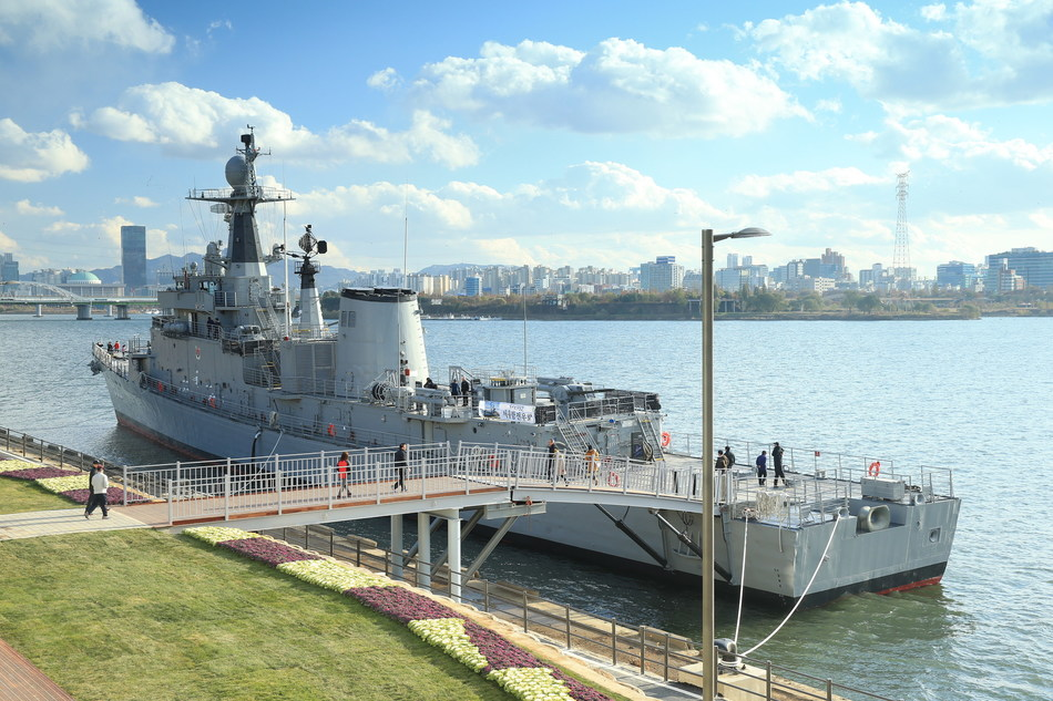 Seoul Battleship Park opened in November 2017 at the bank of Han River.