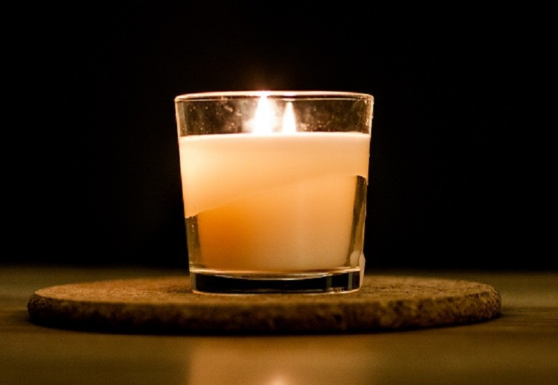 Men now buy more than 79,000 scented candles each month in the U.S. alone. That's more than 100 every hour, 24/7.