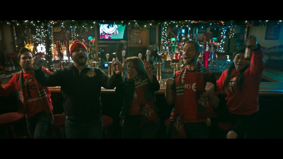 Ahead of the much-anticipated championship match between Toronto FC and Seattle Sounders, Budweiser Canada and Toronto FC team up to wish the city of Toronto a 'Red Christmas' (CNW Group/Budweiser Canada)