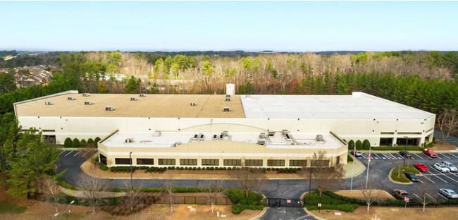 153,000 SF data center with significant fiber and network access now procured by Serverfarm.