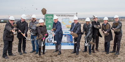December 5 2017. Sod Turning Ceremony for first new 95-acre Highway 400 land development in Bradford West Gwillimbury. Attended by members from land developer Strathallen Capital Corp., manufacturer Mitek Canada, Inc. and the Mayor and Deputy Mayor from the Town of Bradford West Gwillimbury. (CNW Group/Strathallen Capital)