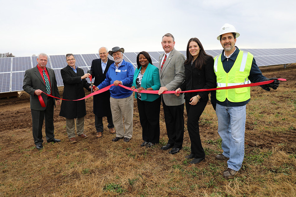 Georgia Power and representatives dedicate first Community Solar facility in Comer, Georgia.