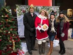 From left to right: Nicolas Dorget, vice president of strategic alliances, UPS Canada, Mrs. Claus, Darryn Hamilton, communications & public relations coordinator, Mary Kay Cosmetics Ltd., Nicole Davis, creative design specialist, Mary Kay Cosmetics Ltd. (CNW Group/UPS Canada Ltd.)