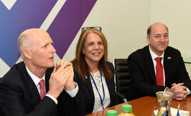 Florida Governor Rick Scott, Dr. Vicki Rabenou (SUNV) and other leaders discuss the Innovation Alliance at the Israel Innovation Authority Headquarters in Tel-Aviv on 12/5/17.