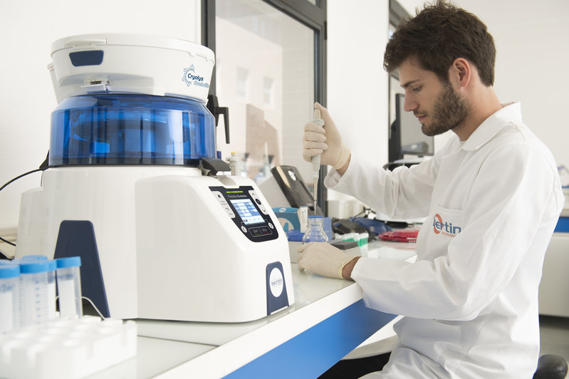 Using Zymo Research's ZymoBIOMICS® Microbial DNA Standards and Bertin's Precellys® Evolution Homogenizer, the researcher is afforded unbiased cell lysis in only one minute. Shown above is the Precellys® tissue homogenizer with the Cryolys Evolution patented cooling system.