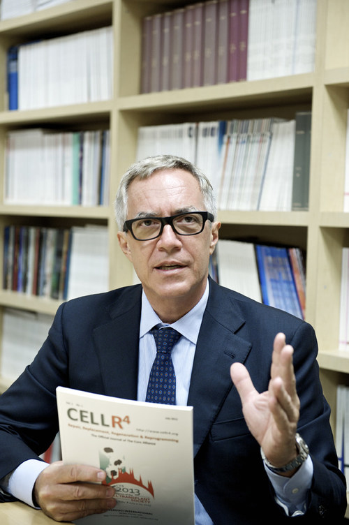 Camillo Ricordi, M.D., director of the Diabetes Research Institute at the University of Miami Miller School of Medicine, has been named a Fellow of the National Academy of Inventors. With more than 40 inventions to his credit, both in the U.S. and abroad, Dr. Ricordi has developed numerous other technologies for cell processing and transplantation, and has 26 awarded U.S. patents to date.