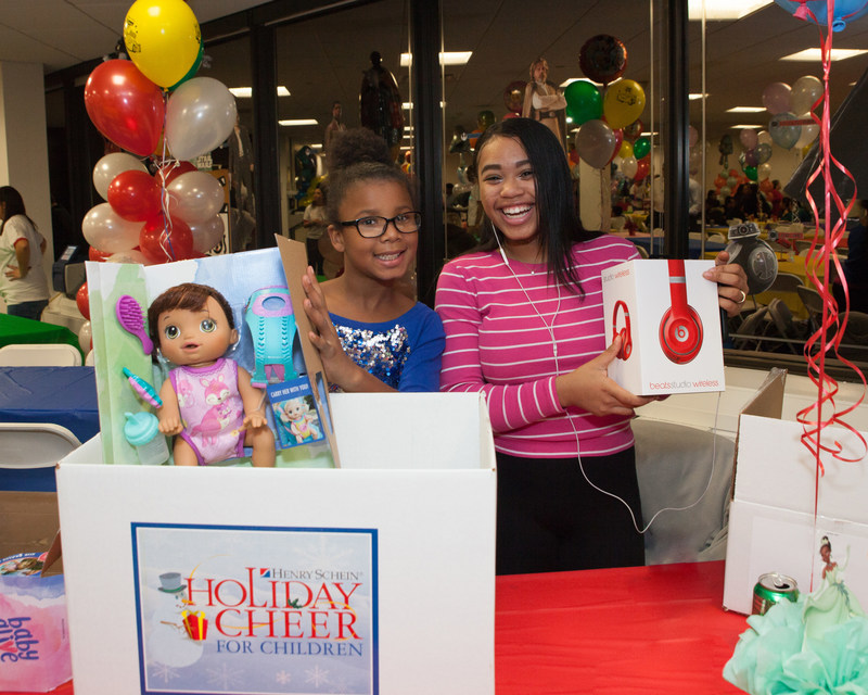 """Henry Schein, Inc. is celebrating the holidays this December with more than 1,000 underserved children and their families through its 19th annual """"Holiday Cheer for Children"""" program, a flagship corporate initiative designed to ensure that participating children around the world enjoy a fun and festive holiday season."""