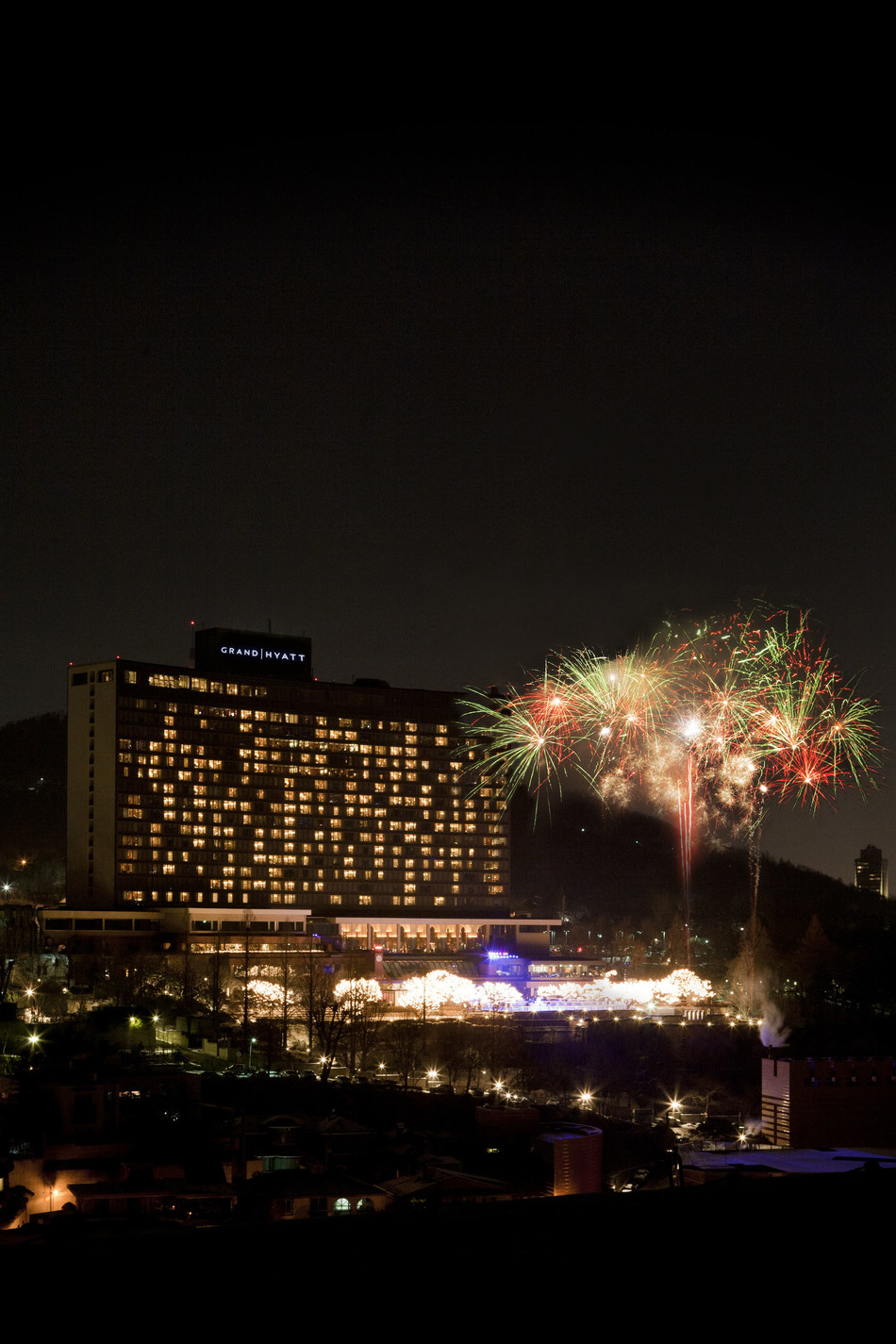 Grand Hyatt Seoul - Countdown on Ice event for New Year