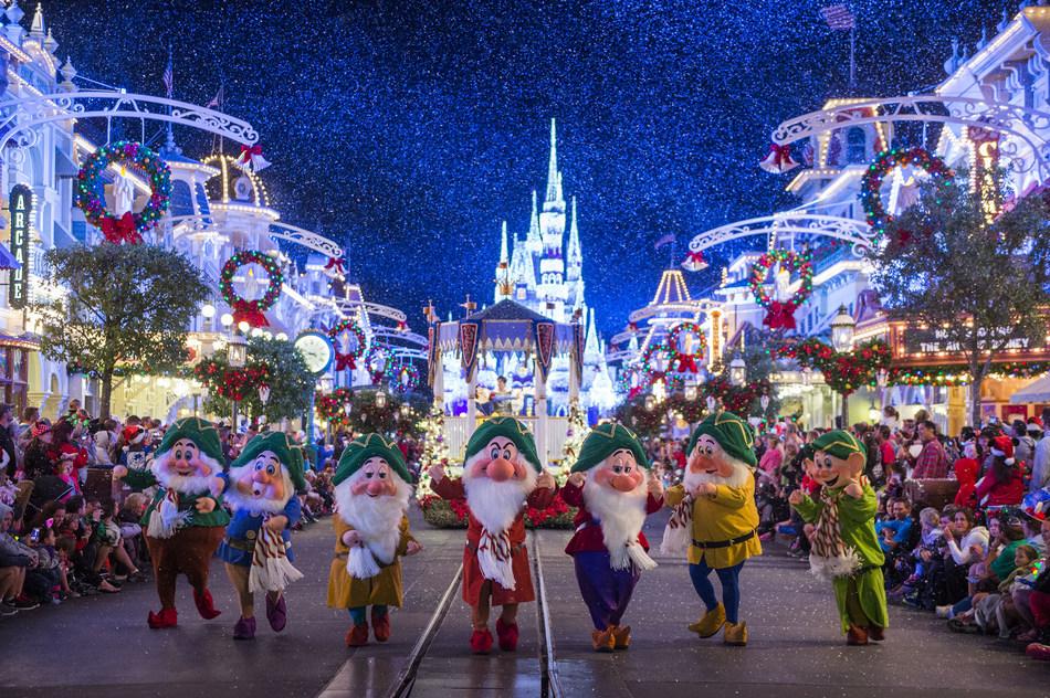 Mickey's Once Upon a Christmastime Parade at Walt Disney World Resort, Florida © Disney