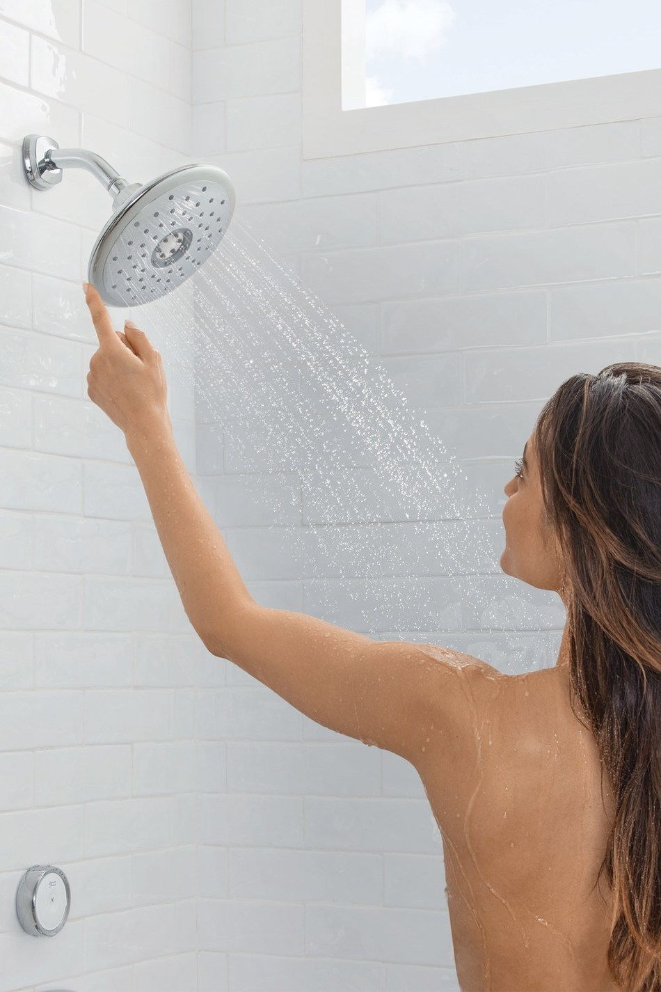 Bringing luxury to the shower experience, the American Standard Spectra+ eTouch showerhead features industry-first technology allowing users to change spray patterns with a touch of the fixture itself, or on the convenient remote.