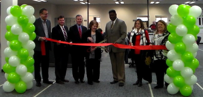 viiz SVP Charlie Anderson, Anniston Mayor Jack Draper, Executive Director of the Calhoun County Economic Development Council Don Hopper, viiz Director of Global Operations Kathy Strickland, Anniston Ward 3 Councilman Ben LIttle,  Anniston Ward 4 Councilwoman Millie Harris, and viiz Call Center Manager Jane McCloud.