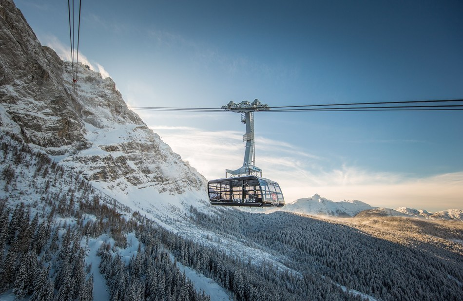Zugspitze: New record-breaking cable car to the Top of Germany. Photo: Bayerische Zugspitzbahn Bergbahn AG/Max Prechtl. Only for editorial use related to the new cable car Zugspitze.