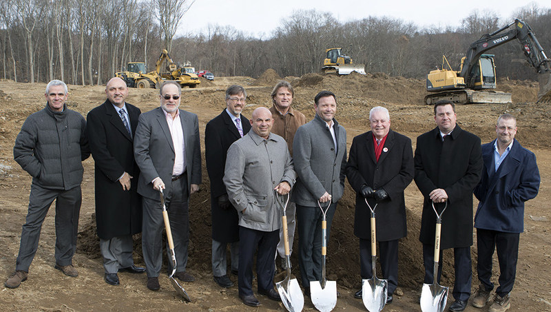 Mike Stein (Stein Troost), Mike Kowlaski (KBE Contracting), Art Miller (General Council, Maplewood Senior Living), Mark Barnhart, Director Economic Development, Town of Fairfield),Andrey Deery (VP of Real Estate) Brian Tracy (Chief Business Development Officer, Maplewood Senior Living) Gregory Smith (President & CEO, Maplewood Senior Living), Mark Tetreau (First Selectman, Town of Fairfield), Shane Herlet (COO, Maplewood Senior Living) Jocelyn Isabelle (Project Manager, Maplewood Senior Living)