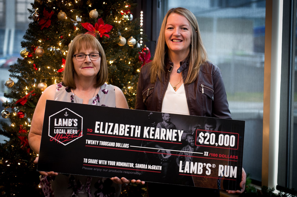 Elizabeth Kearney and Sandra McGrath, Lamb's Local Hero contest winners (CNW Group/Corby Spirit and Wine Communications)