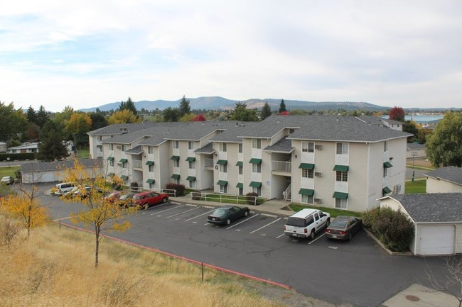 Eagle Pointe Apartments in Spokane Valley, WA