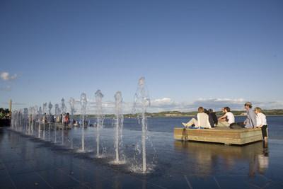 En 2017, la promenade Samuel-De Champlain, à Québec, a été fréquentée par près de 350 000 usagers différents, pour un total d'environ 3,5 millions de visites. Crédit : CCNQ ; photographe : Jonathan Robert (Groupe CNW/Commission de la capitale nationale du Québec (CCNQ))