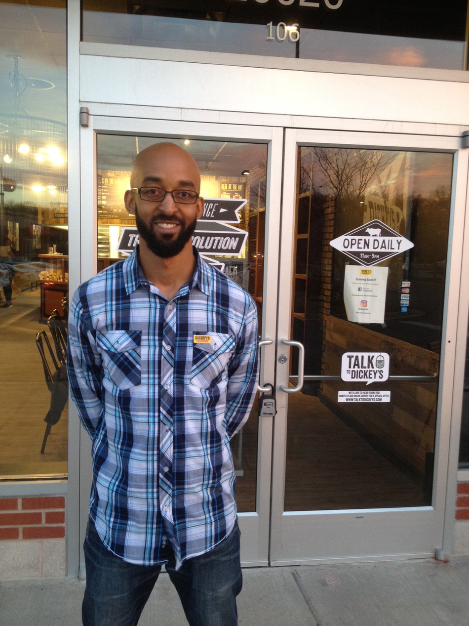 Dickey's franchisee, Chris Mills, opens a new location in Ashburn, VA.