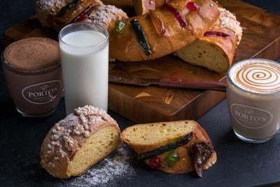 Rosca de Reyes servida con leche y bebidas calientes como el Dulce de Leche latte y chocolate caliente de Porto's. Crédito de la foto: Porto's Bakery
