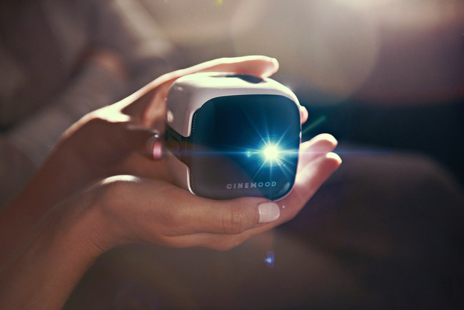 Portable cinema projector CINEMOOD brings an immersive cinematic experience at any time of the day in any place