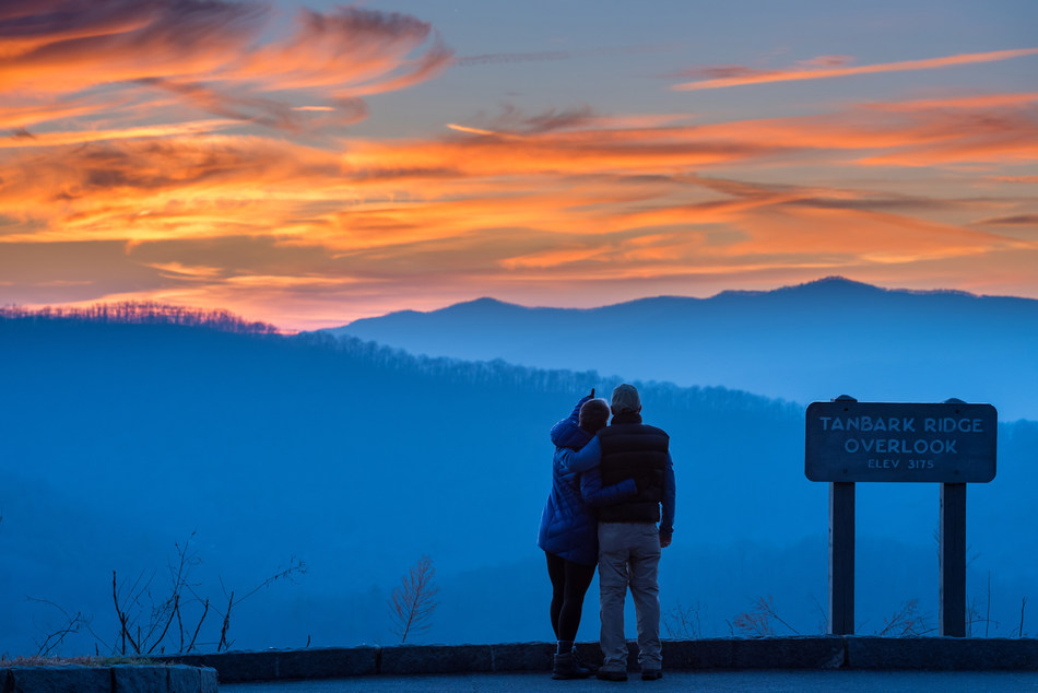 Asheville, NC, a colorful Blue Ridge Mountain city, is poised for an exciting 2018 with an update to its Art Deco skyline, food-centric hotels, Chihuly and Titanic exhibitions at Biltmore, new hikes and an adventure spa, cozy fireplaces with epic views and art immersions with food and beer. (Photo courtesy of ExploreAsheville.com.)