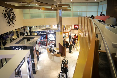 The new state-of-the-art TRG Duty Free at DFW Airport offers travelers an unparalleled experiential shopping environment that masterfully integrates world-class retail, exclusive high-end local brands, VIP concierge services, cutting-edge technology, and world-renowned art all in one location.
