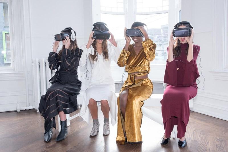 Sid Neigum VR presentation at RE\SET™ 2016. Photo credit: Kalen Hayman (CNW Group/Toronto Fashion Week)