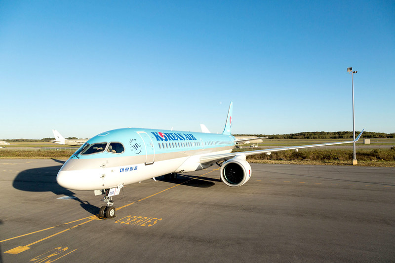 Pratt & Whitney and Korean Air Lines celebrated delivery of the airline's first Bombardier CS300 aircraft powered by Pratt & Whitney's Geared Turbofan™ engine.