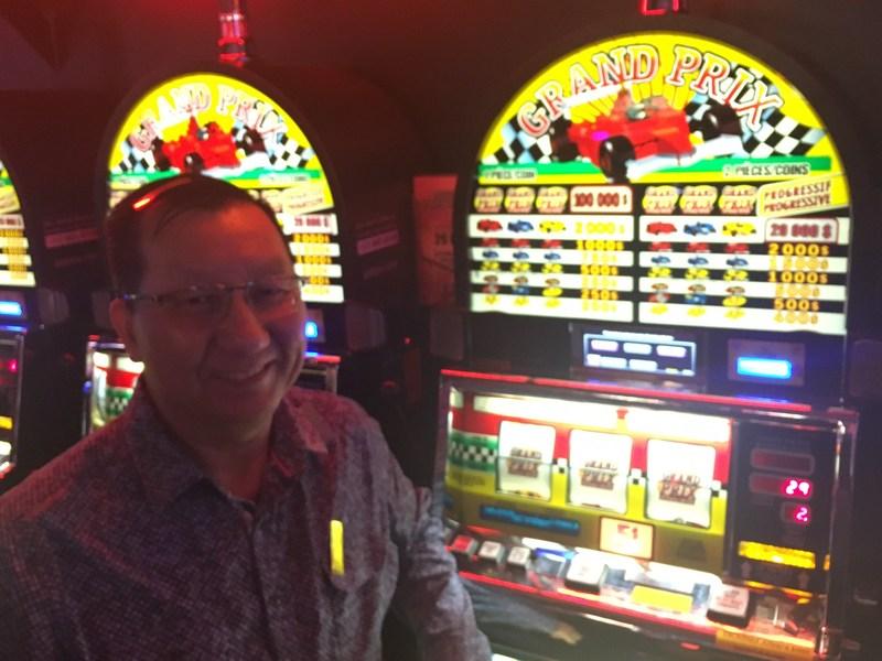 Le lendemain de Noël, il remporte plus de 1,8 M$ au Casino de Montréal (Groupe CNW/Loto-Québec)