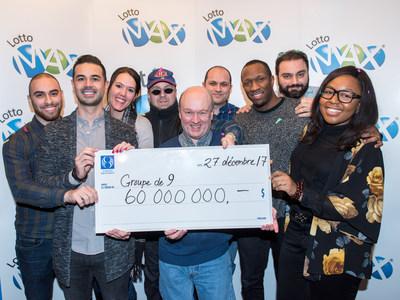 Les neuf collègues gagnants (Groupe CNW/Loto-Québec)